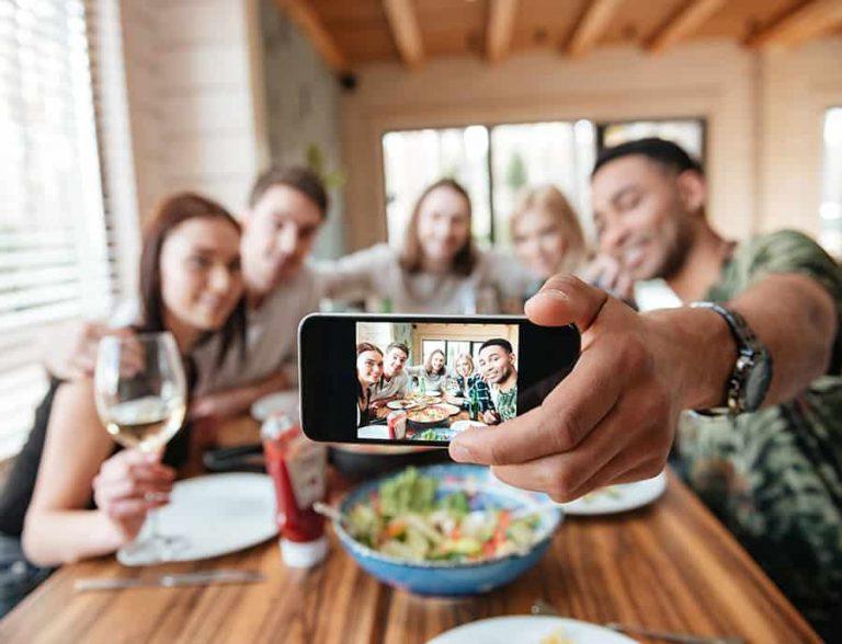 Selfie mit Freunden - Beispielbild für Fotobox
